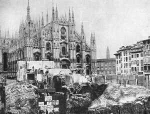 demolizioni in piazza duomo a milano